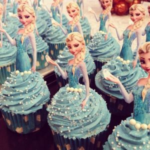 cupcake de frozen en fondant 3