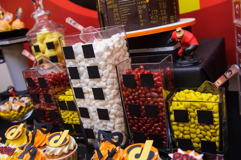 decoracion de los increibles mesa de dulces (4)