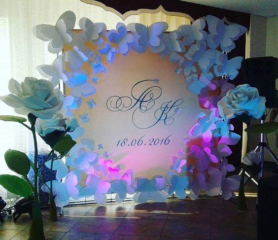 escenario con decoracion de papel