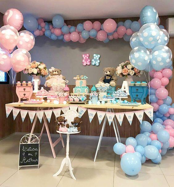 Mesa de postres para fiesta de gemelos decoracion de for Mesa de dulces para bautizo de nina
