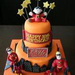 pastel en forma de super heroes (2)