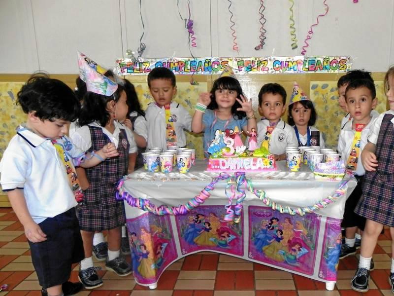 Como hacer una fiesta en el colegio decoracion de - Como preparar una fiesta de cumpleanos ...