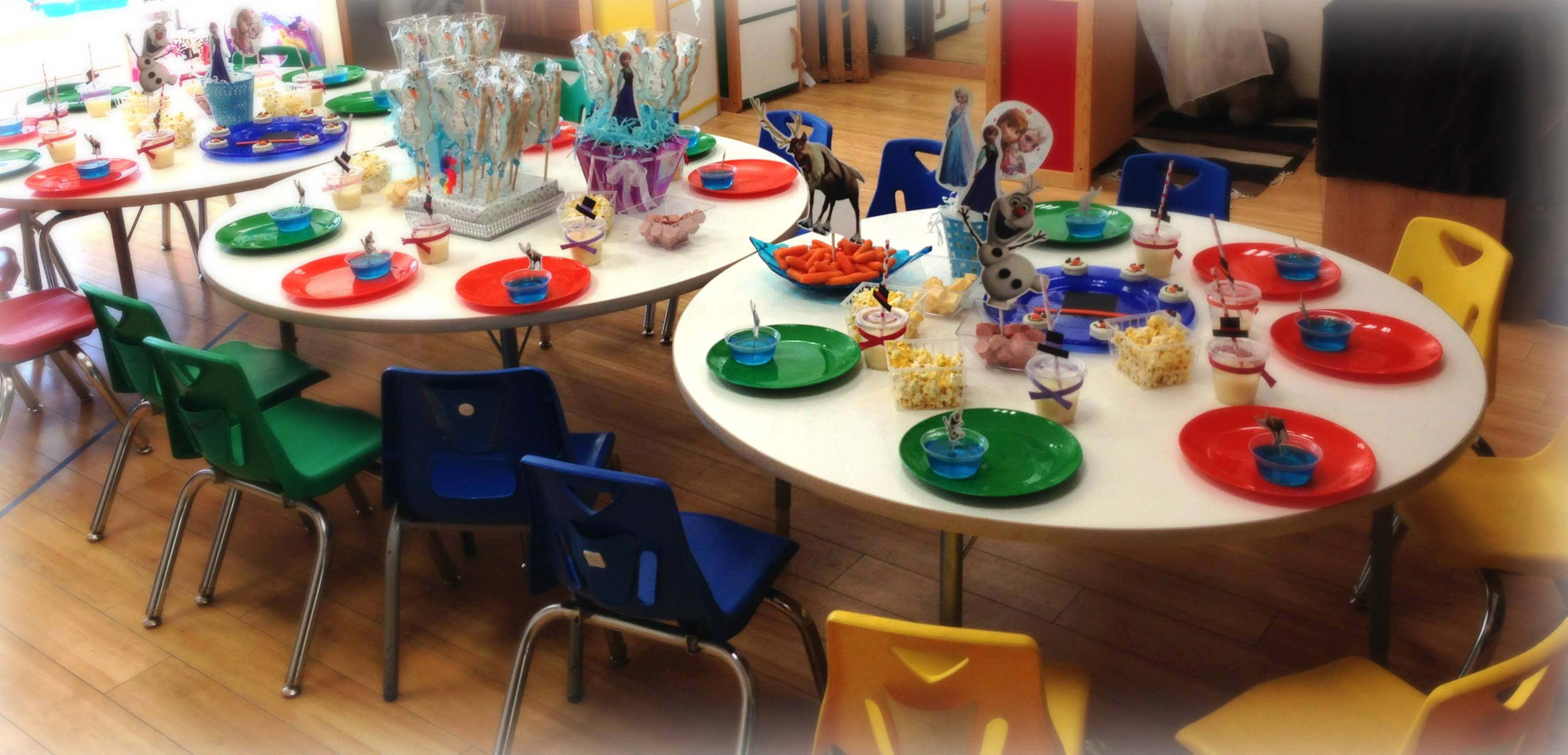 Decoracion de mesa para fiesta en la escuela decoracion for Decoracion escuela