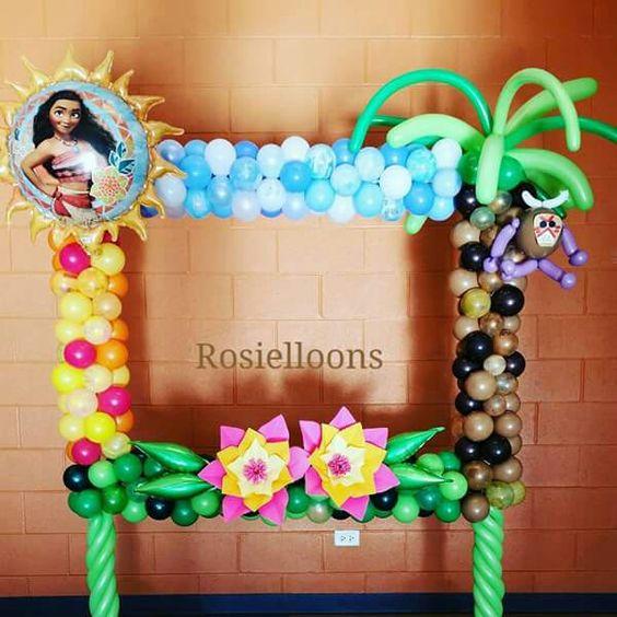 marco de globos para fiesta de moana
