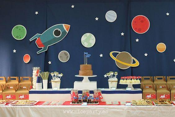 Fiesta infantil con tema de astronautas