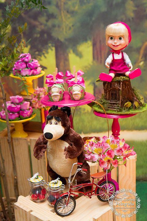 Colores para decorar un candy bar de masha y el oso