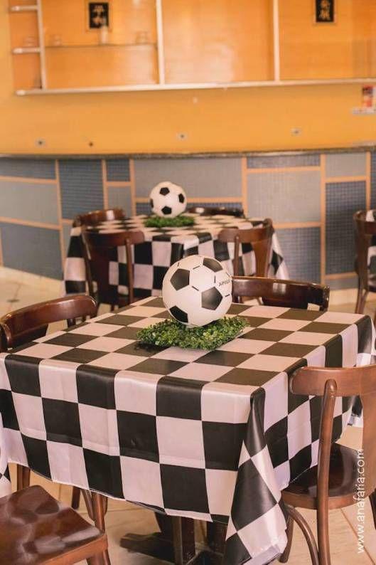 centro de mesa para fiesta infantil de futbol
