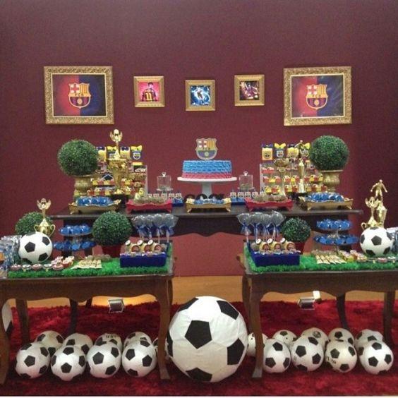 como deocorar una mesa principal con tema de futbol
