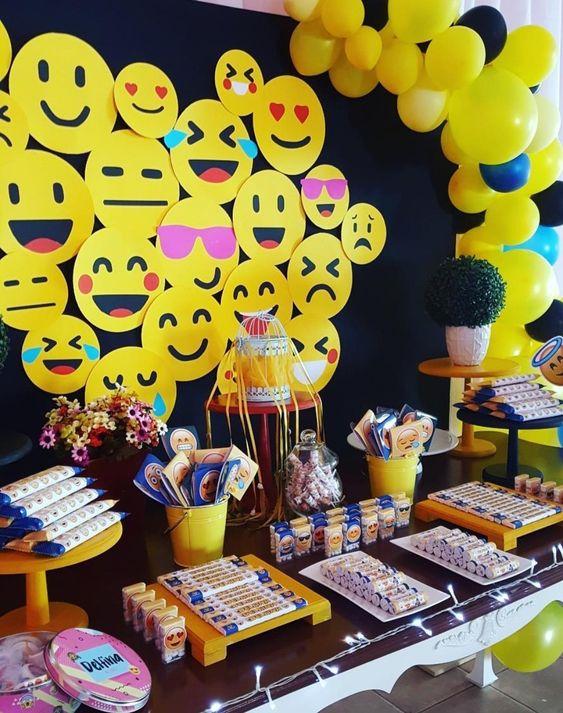 decoracion de emoji para fiestas (1)