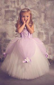 Disfraces de princesita sofia para fiestas infantiles