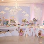 fiesta de nubes para primer año de niña