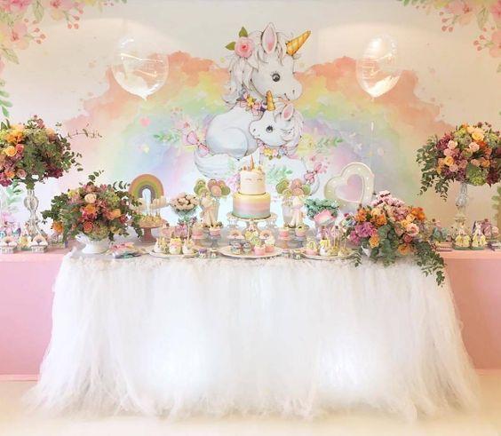 fiesta de unicornio para primer año de niñas