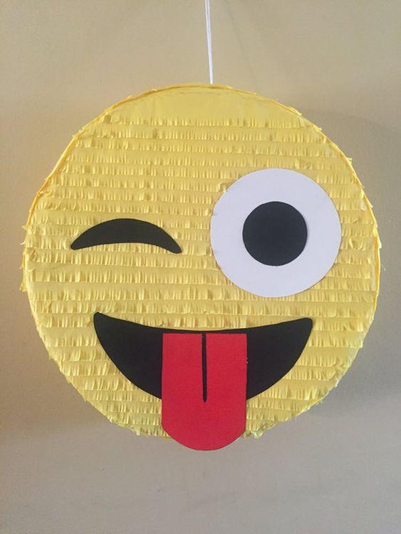 Piñatas de emoji