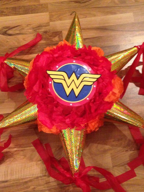 Piñatas de la mujer maravilla