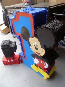 Piñatas de mickey mouse