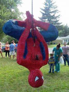 pinatas de spiderman (1)