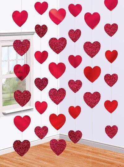 Colgantes para decorar fiestas con formas de corazón