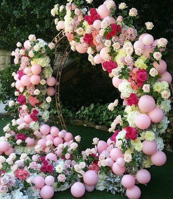 arcos para bodas con flores y globos