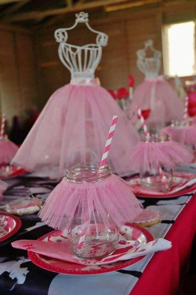Centros de mesa con tul para fiestas infantiles