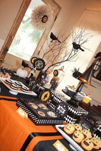 Mesas de postres para fiesta temática de halloween