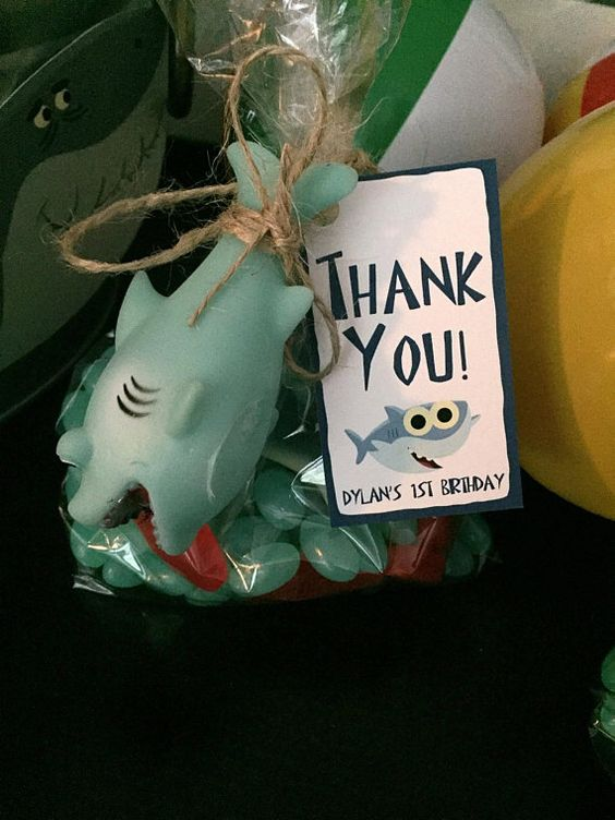 Souvenirs para fiesta de baby shark